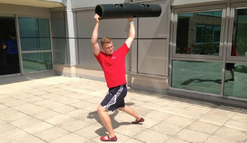 ViPR Buns of Steel - Using upper-body motion to switch on the glutes